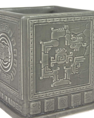 MERCHENDISE OFFICIAL TOMB RAIDER 3D MAYAN MUG NUMSKULL